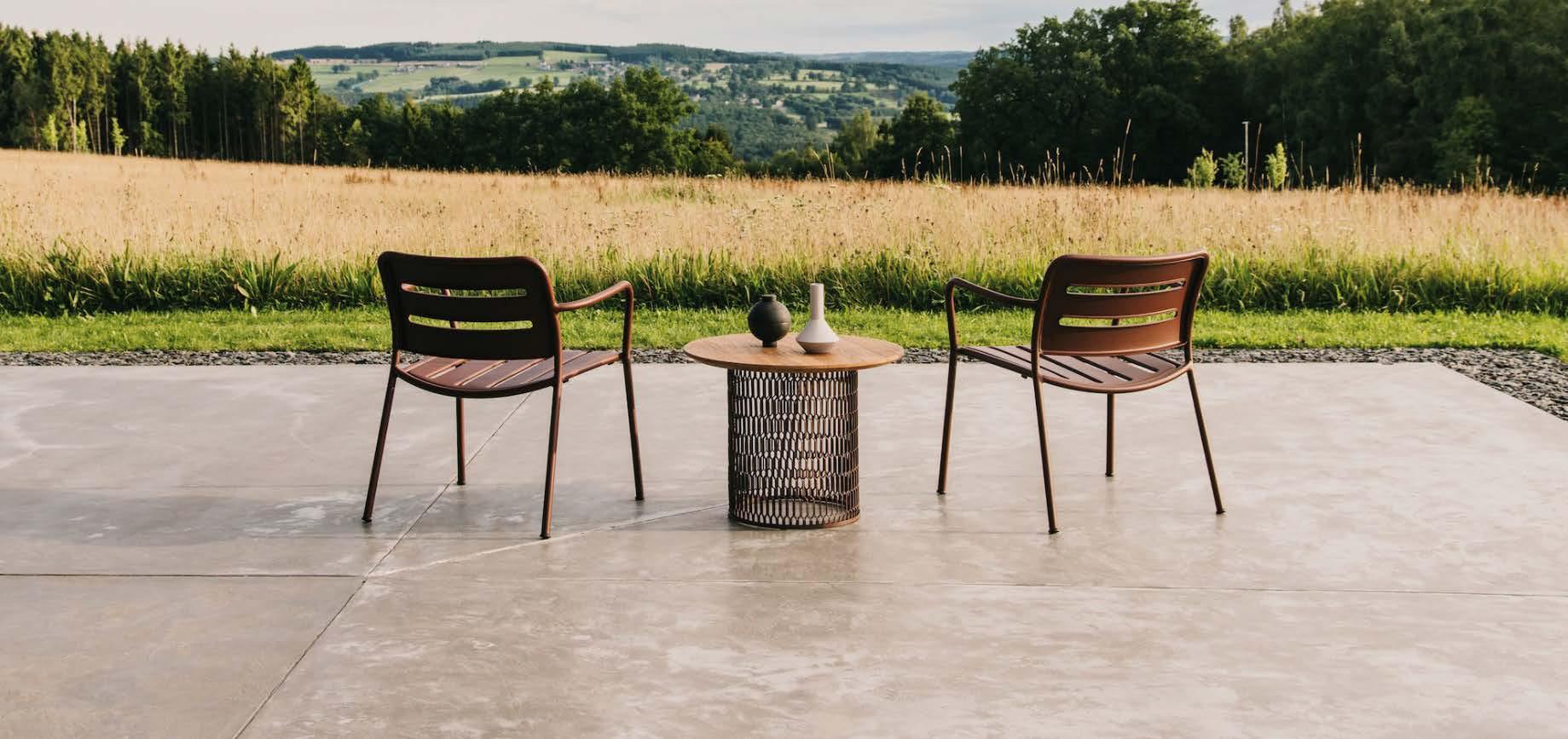 IE Outdoor Furniture Presentation